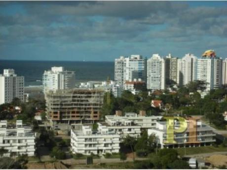 Apartamentos En Playa Brava: Pti1041a