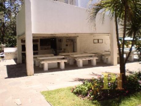 Apartamentos En Playa Mansa: Pti1263a