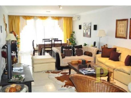 Apartamentos En Playa Mansa: Pti1282a