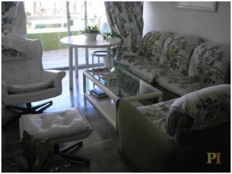 Apartamentos En Playa Mansa: Pti1755a