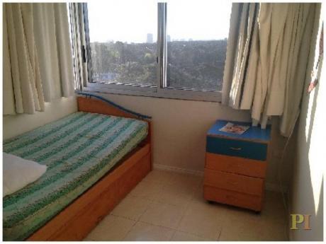 Apartamentos En Playa Mansa: Pti1769a