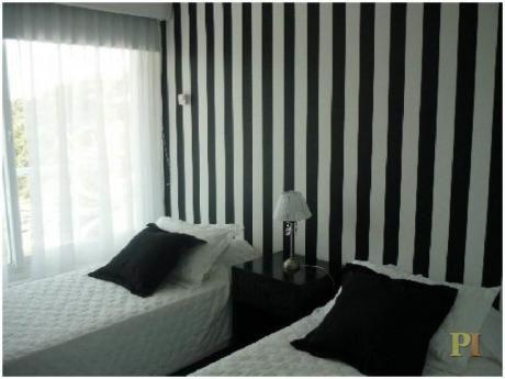 Apartamentos En Playa Brava: Pti1972a