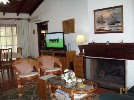 Casas En Playa Mansa: Pti857c