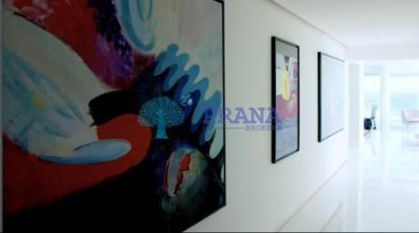 Apartamentos En Playa Brava: Prn925a