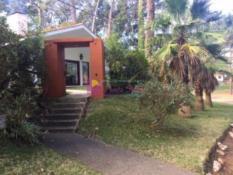 Casas En Playa Mansa: Psk113c