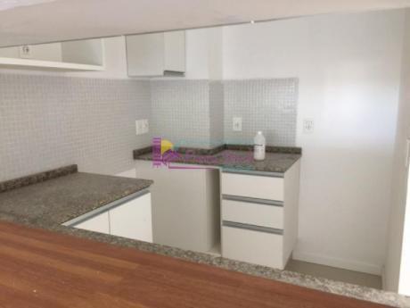 Apartamentos En Playa Mansa: Psk91a