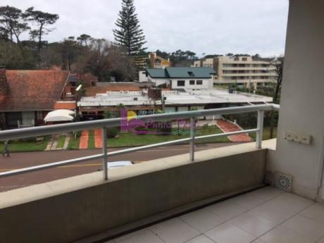 Apartamentos En Playa Mansa: Psk96a