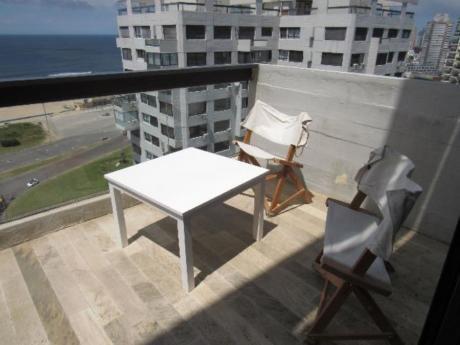 Apartamentos En Playa Mansa: Rni10648a