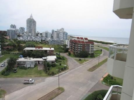 Apartamentos En Playa Brava: Rni10663a