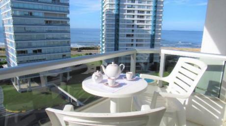 Apartamentos En Playa Brava: Rni10813a