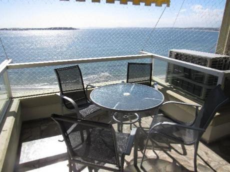 Apartamentos En Playa Mansa: Rni3505a