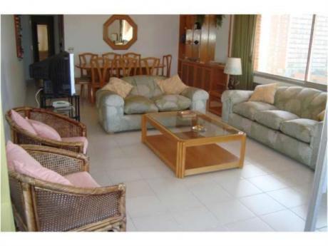 Apartamentos En Playa Brava: Rni4170a