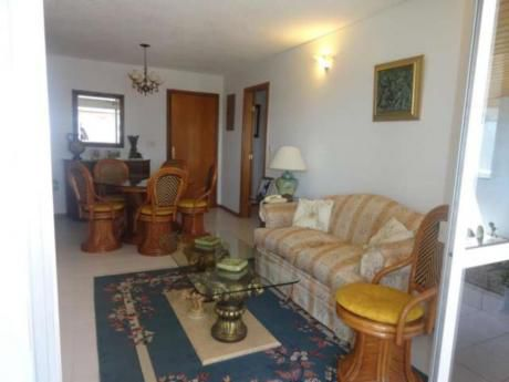 Apartamentos En Playa Brava: Rni5208a