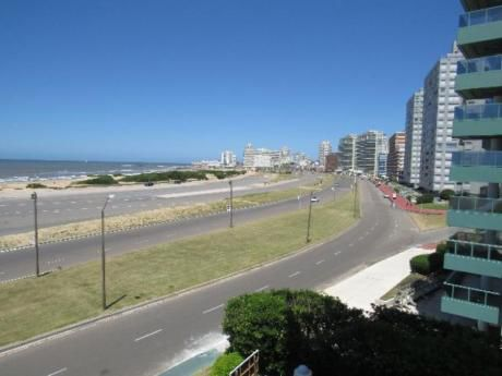 Apartamentos En Playa Brava: Rni5376a