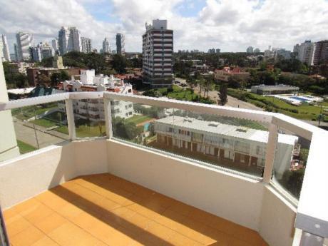 Apartamentos En Playa Brava: Rni5572a