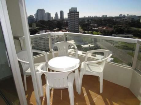 Apartamentos En Playa Brava: Rni5574a