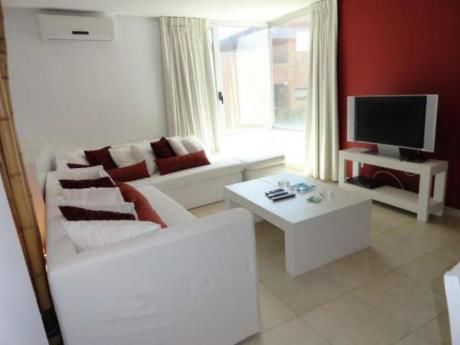 Apartamentos En Playa Brava: Rni5589a