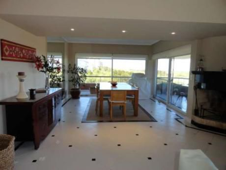 Apartamentos En Playa Brava: Rni808a