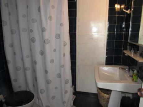 Apartamentos En Playa Mansa: Rni8405a