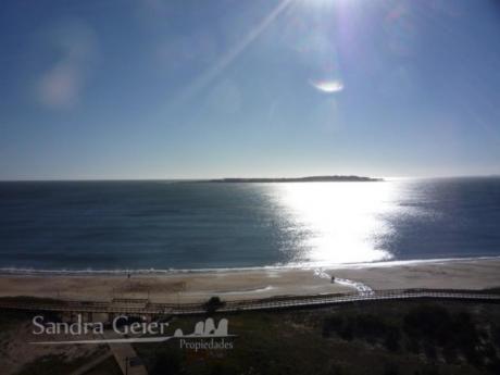 Apartamentos En Playa Mansa: Sgp51a