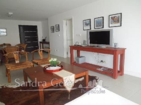 Apartamentos En Playa Brava: Sgp567a