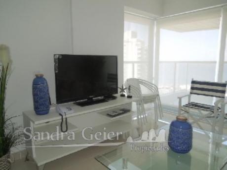 Apartamentos En Playa Mansa: Sgp830a