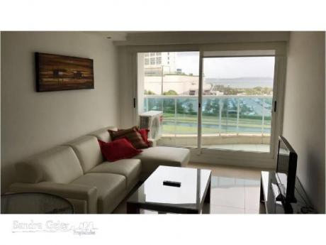 Apartamentos En Playa Mansa: Sgp877a