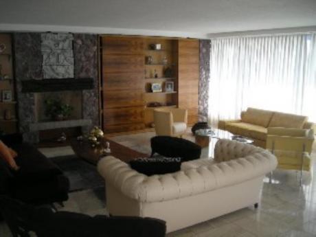 Apartamentos En Playa Mansa: Sni137a