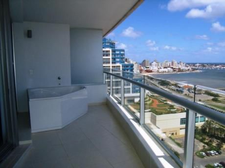Apartamentos En Playa Mansa: Sni1430a