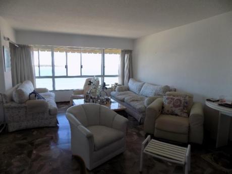 Apartamentos En Playa Mansa: Sni160a