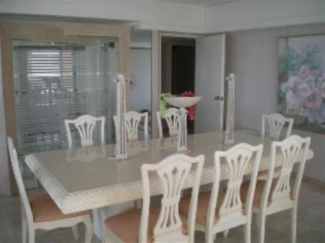 Apartamentos En Playa Mansa: Sni1640a