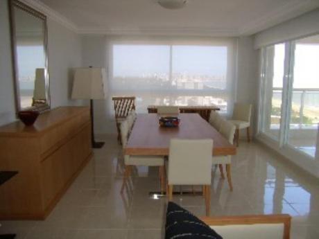 Apartamentos En Playa Mansa: Sni188a