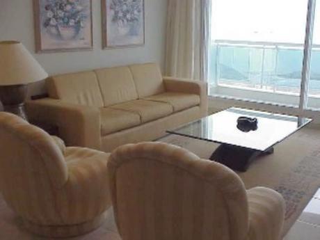 Apartamentos En Playa Mansa: Sni281a