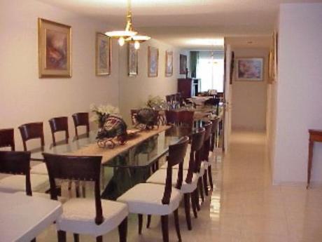 Apartamentos En Playa Mansa: Sni387a