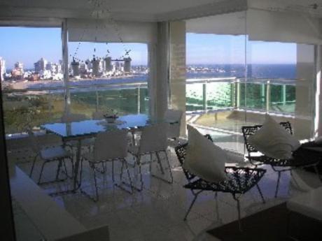 Apartamentos En Playa Mansa: Sni40a