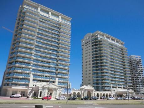 Apartamentos En Playa Brava: Sni462a