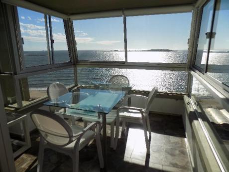 Apartamentos En Playa Mansa: Sni612a