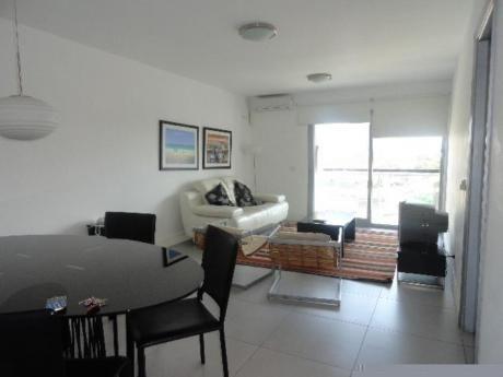 Apartamentos En Playa Mansa: Sni613a