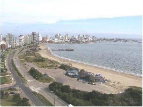 Apartamentos En Playa Mansa: Sni663a