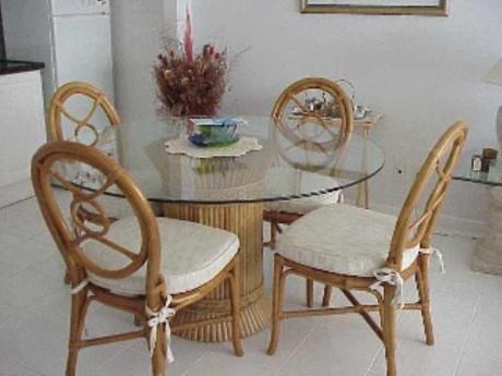 Apartamentos En Playa Mansa: Sni701a