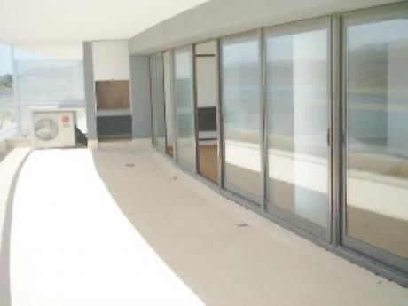 Apartamentos En Playa Mansa: Sni702a