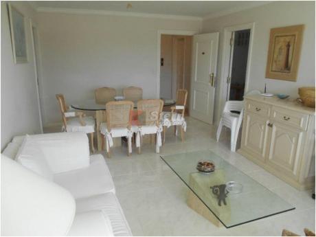 Apartamentos En Playa Mansa: Sya1409a