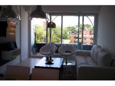 Apartamentos En Playa Mansa: Sya191229a