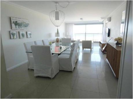Apartamentos En Playa Brava: Sya193326a