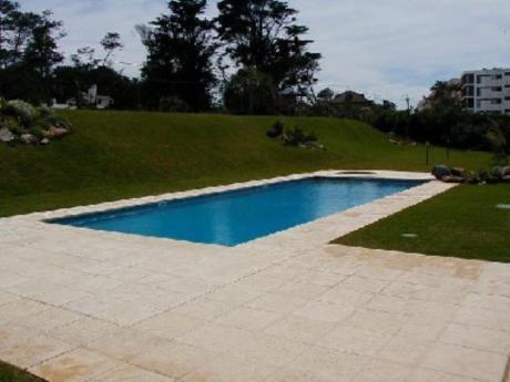 Apartamentos En Playa Brava: Sya222a