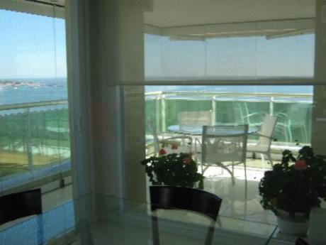 Apartamentos En Playa Mansa: Sya4710a