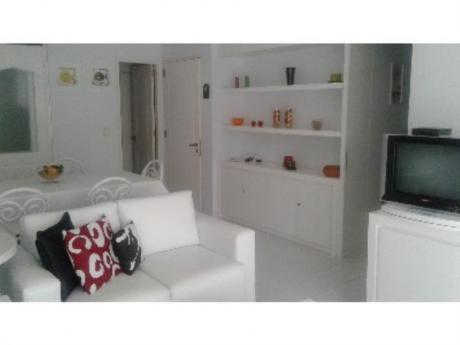 Apartamentos En Playa Mansa: Trn1036a