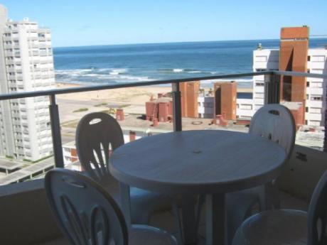 Apartamentos En Playa Mansa: Trn158a