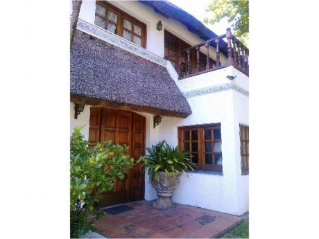 Casas En Playa Mansa: Trn238c
