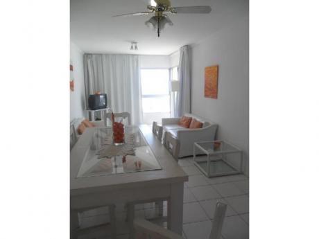 Apartamentos En Playa Mansa: Trn393a
